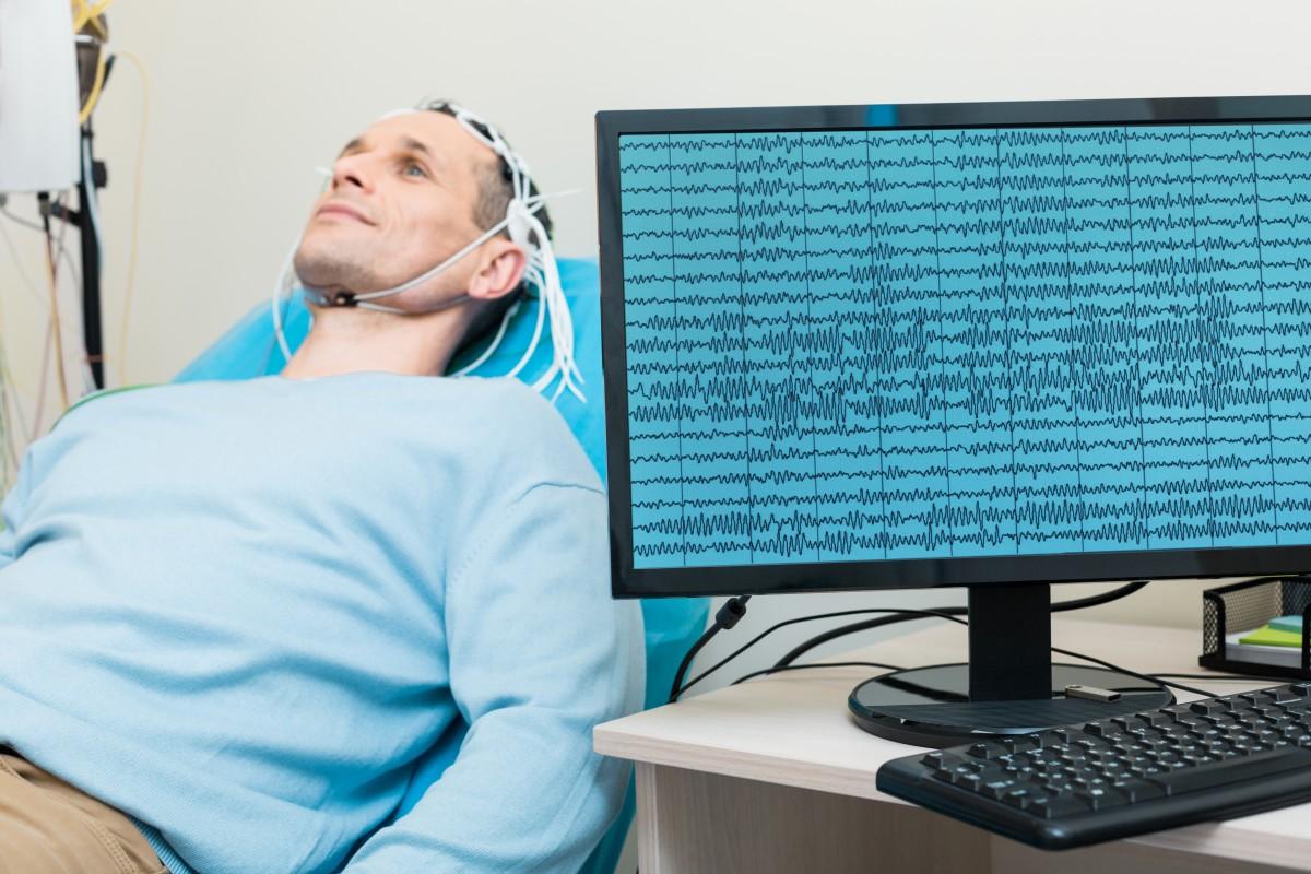 EEG Eye State Dataset/BrainScanviaEEG.jpg